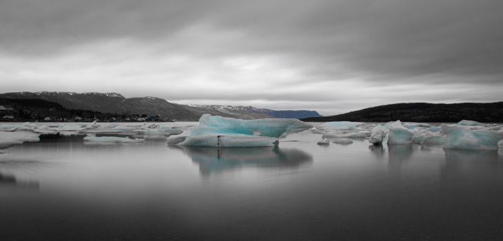 dieses Foto zeigt Eisschollen in Neufundland
